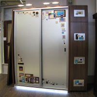 Верхняя и нижняя (цокольная) подсветка шкафа