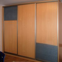 Двери-купе со вставками из ратанга