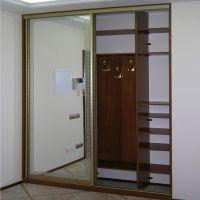 Шкаф-купе в нише с кривыми стенами